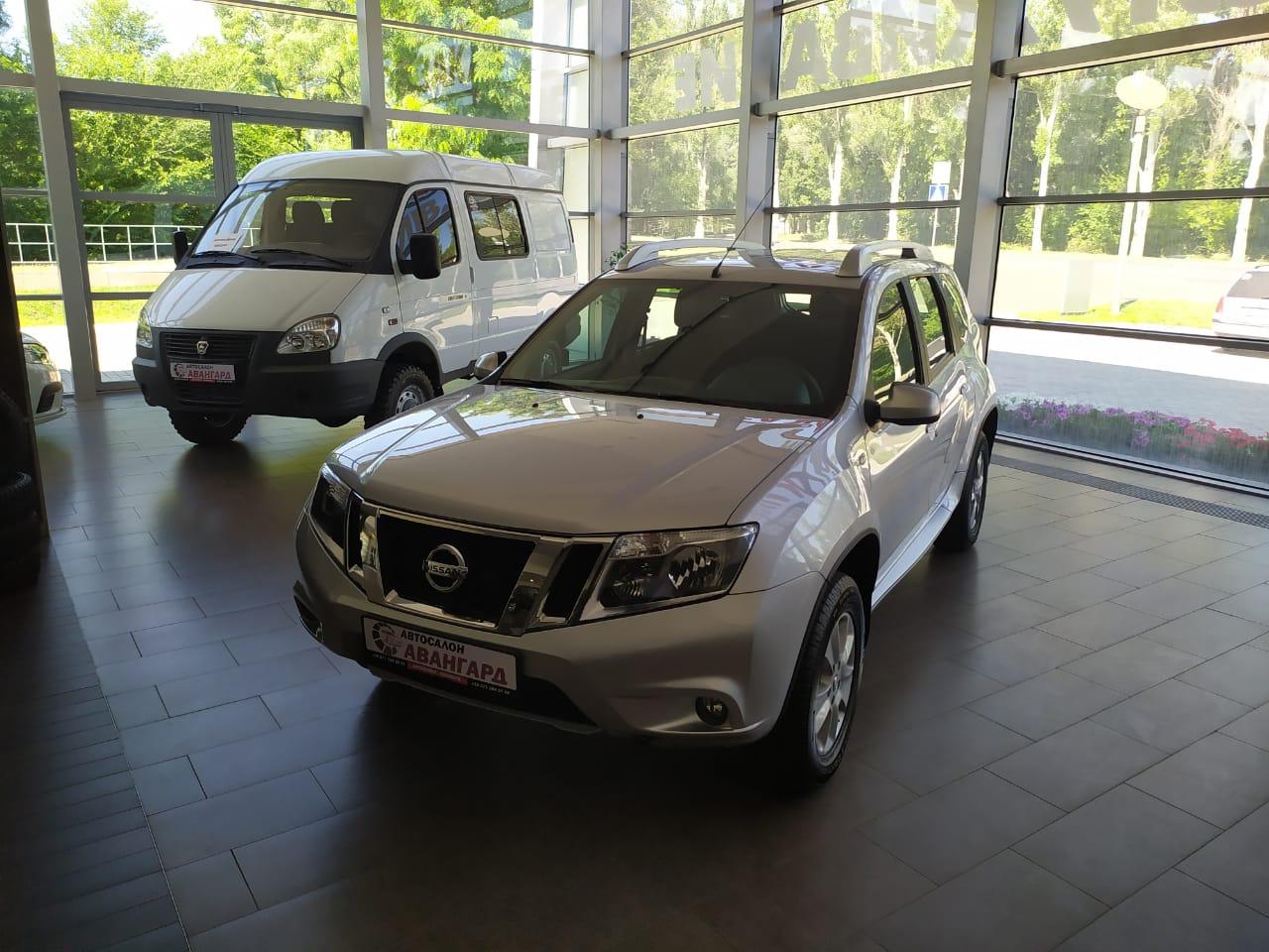 Nissan Terrano (Ниссан Террано) 1.6 (114 л.с.) 5МТ 4х2
