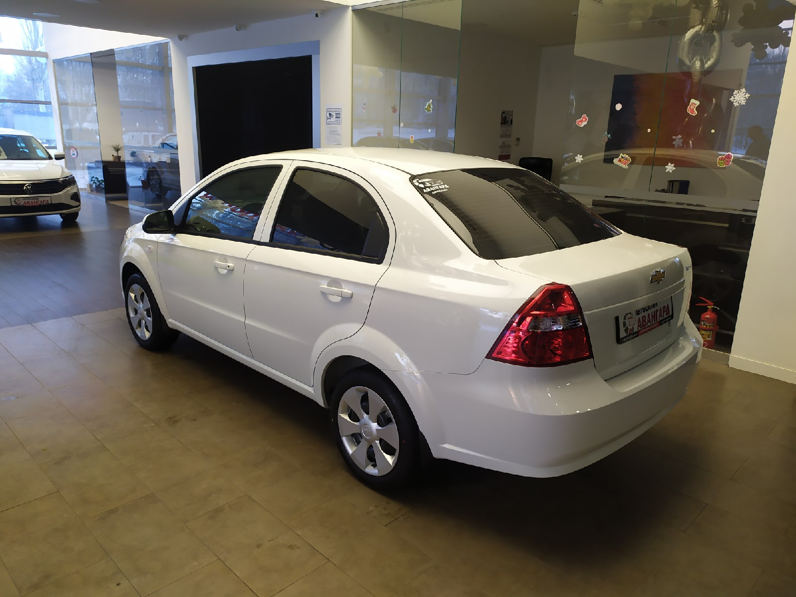 Chevrolet Nexia 1.5 16 кл. (105 л.с.) 5МТ комплектации LT, цвет белый