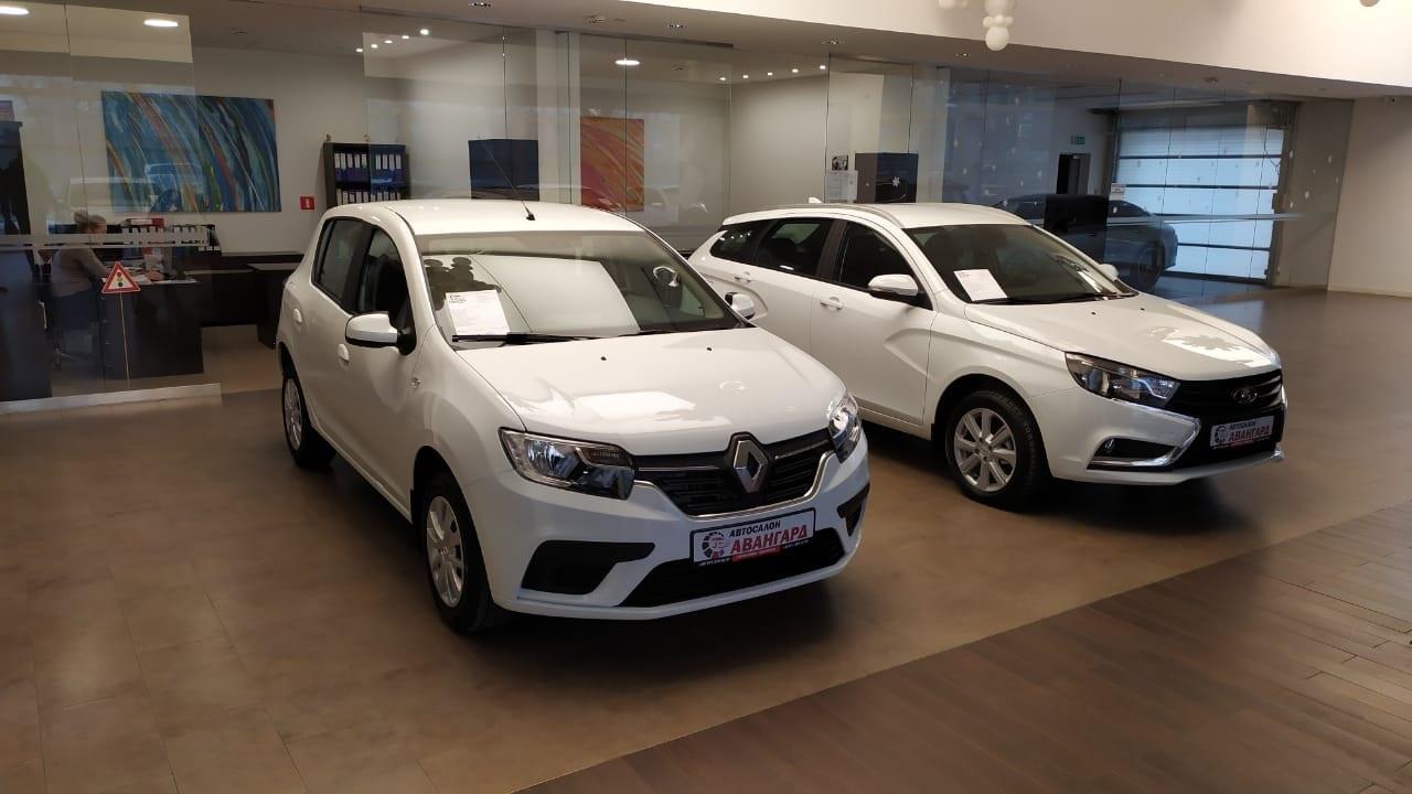 Renault Sandero 1.6 МКП5 (82 л.с) Life + Кондиционер.+ Пакет «Аудио» Белый