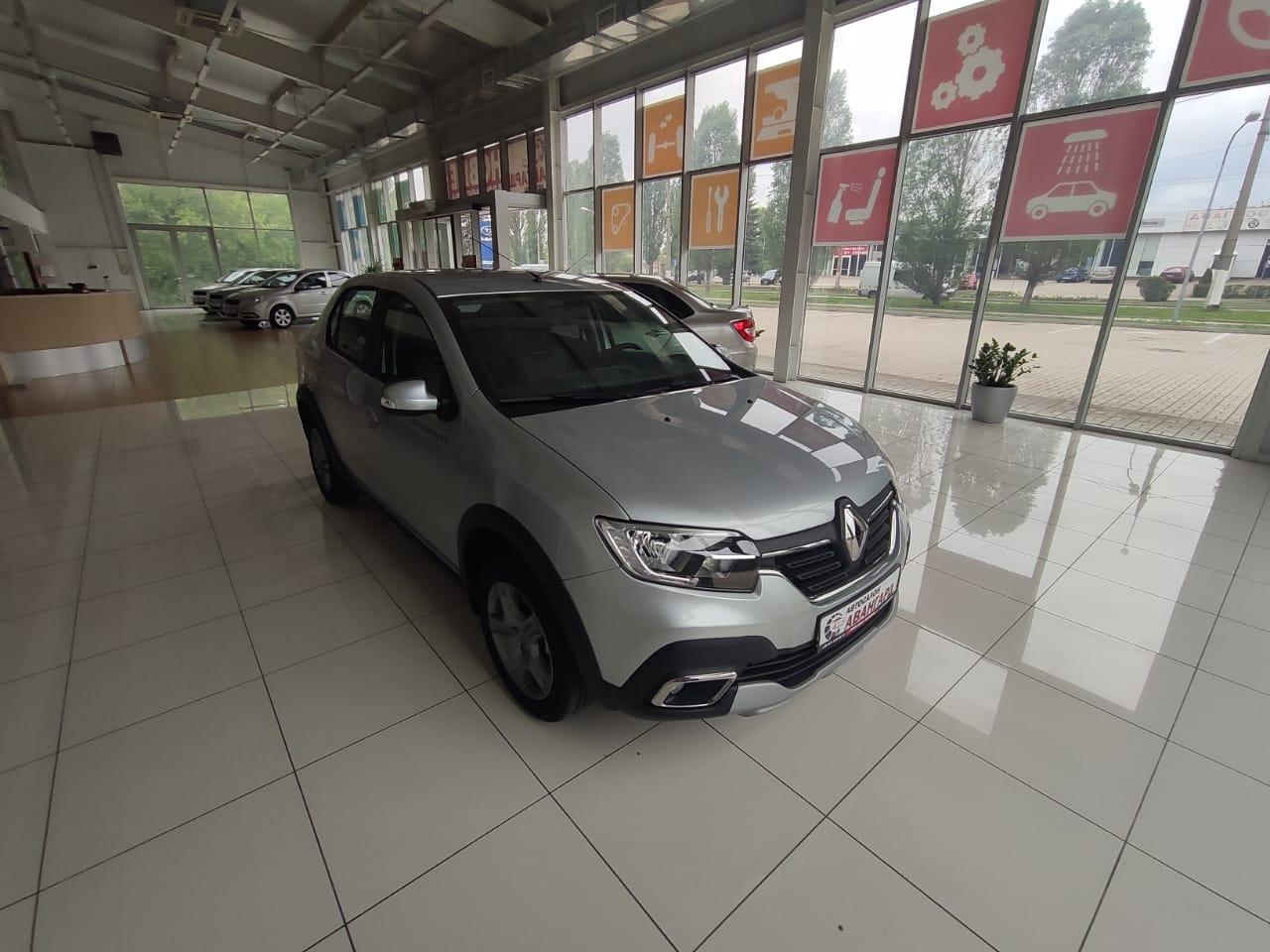 Renault LOGAN Stepway 1.6 МКП5 113 л.с. Life. 2021