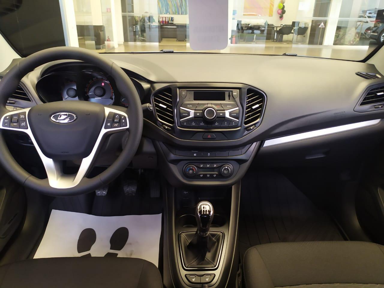 LADA Vesta седан 1.6 л 16-кл. (106 л.с.), 5МТ, Comfort, Коричневый «Ангкор» 2021