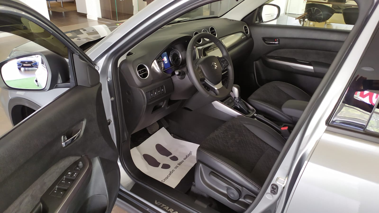 SUZUKI VITARA 1.6 л (117 л.с.) 4WD, 6-АКПП, GLХ, Серый, 2021