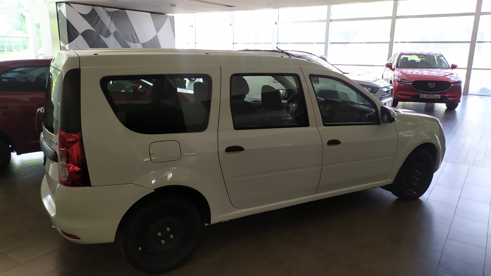 Lada Largus 1.6 л 8-кл. 5МТ, 5мест. Классик старт плюс, Белый, 2021